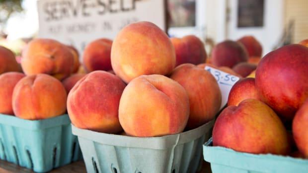 9 Delicious and Healthy Ways to Enjoy Peach Season