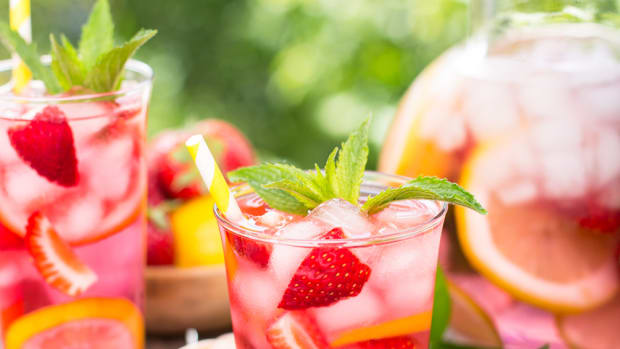 How To Make Fruit Spritzer