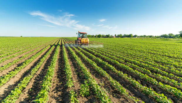 Monsanto and DuPont Partner Up in Powerful Herbicide Launch