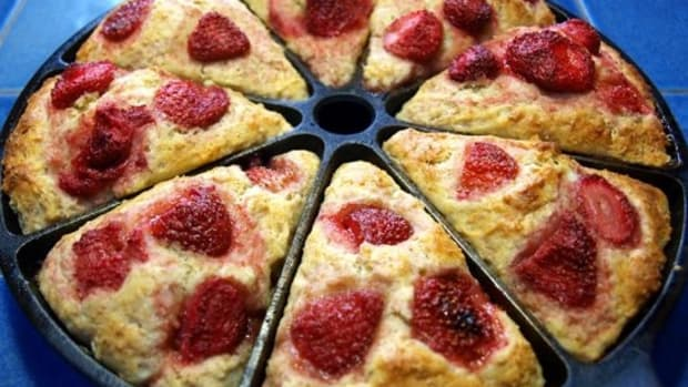 strawberry-yogurt-scones