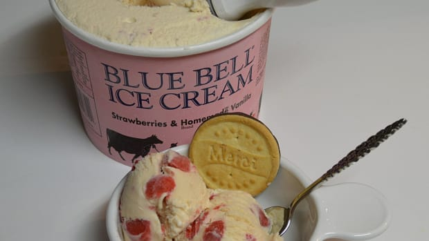 Blue Bell Ice Cream Recalls All Its Products After 3 Deaths Linked to Listeria