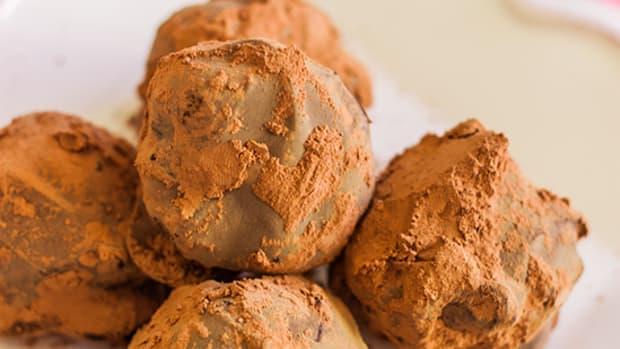 Vegan Valentine's Day Chocolate Truffles