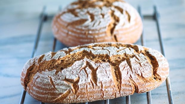 Rye and Whole-Wheat Flour Sourdough Vegan Bread Recipe