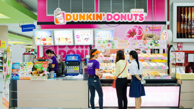 Dunkin' Donuts To Ditch Toxic Chemical From Its Powdered Doughnuts