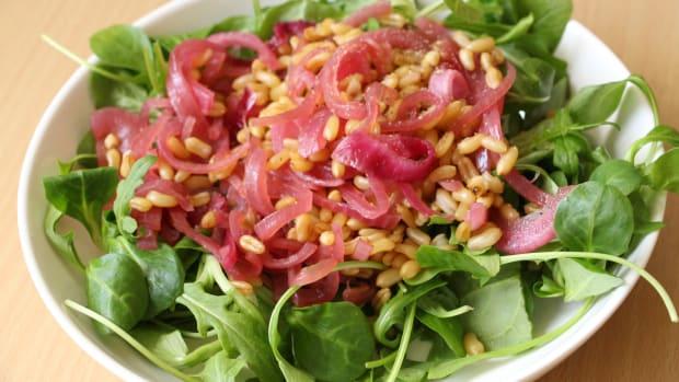 spelt, spinach, arugula salad