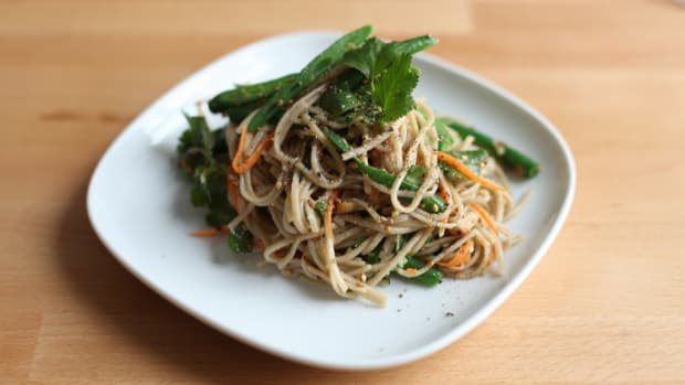 soba noodle salad photo