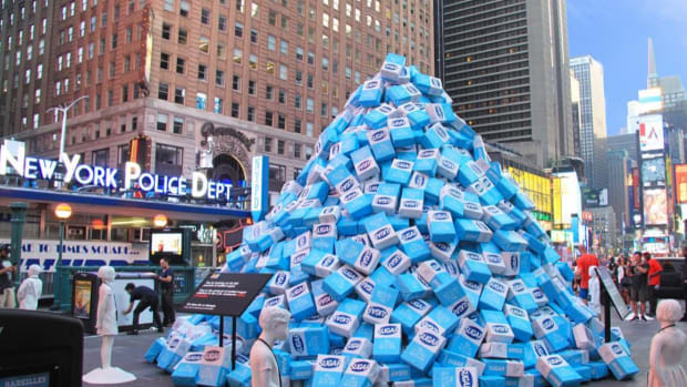 KIND Dumps 50,000 Pounds of Sugar in Times Square