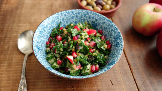 Wheat Berry Tabouli Salad with Autumn Fruits