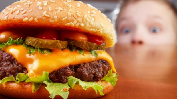 Antibiotics in meat are concerning investors... so, they penned a letter to fast food burger joint.