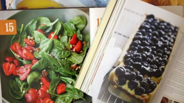 5sustainablesummercookbooks-by-kimberleystakal