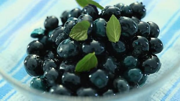 blueberries-ccflcr-thebittenword