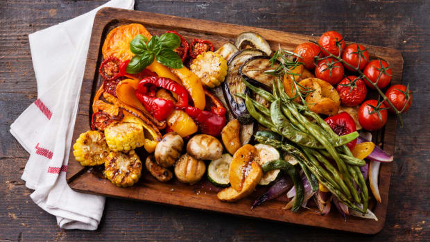 grilled veggies on cutting board