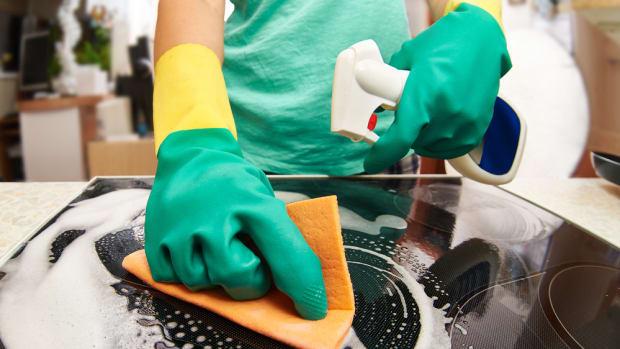 Cleaning With Bleach: Study Finds Parents Using the Disinfectant Are Making Their Kids Sick