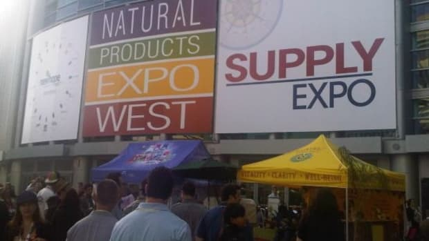 expowest-soothingtouch-gurukirnkhalsa
