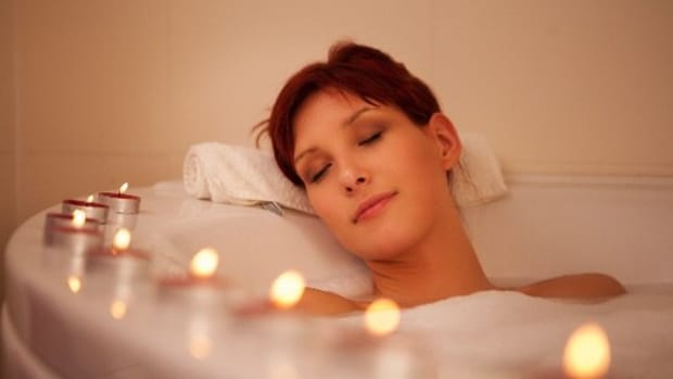 5 Easy Breezy Relaxation Exercises... for Your Face