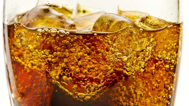 Diet Soda Linked to a Bigger Gut, Study Finds