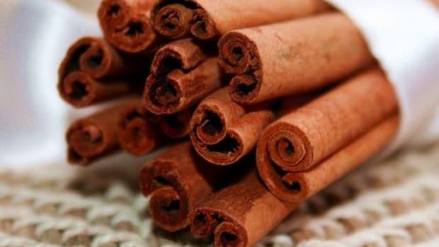 cinnamon-sticks-ccflcr-PinkStock