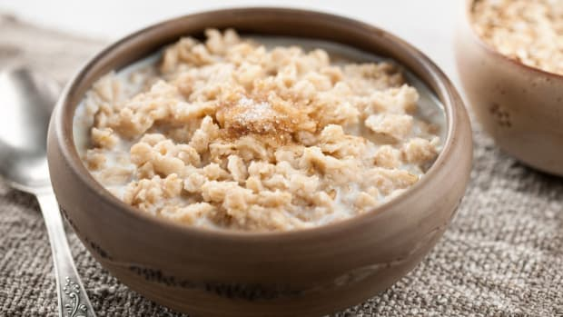 steel cut oatmeal with cinnamon and coconut oil