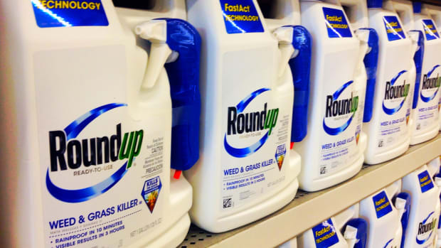 France Bans Monsanto's Roundup