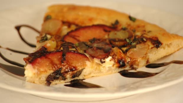 Basil-Grape-Plum-Goat-Cheese-Pizza1