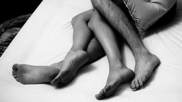 sexy-legs-ccflcr-stuart-connor