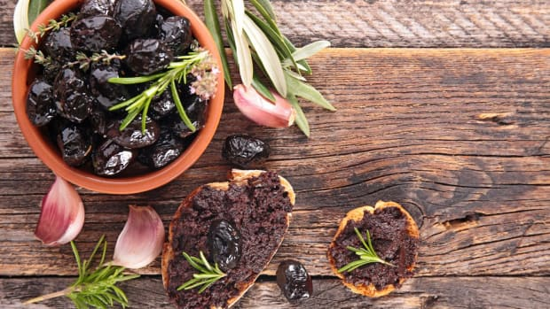4 Mediterranean Recipes to Get Some Sunshine on Your Meatless Monday Plate