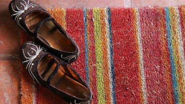 shoesonmat-ccflcr-littleredelf