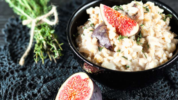 fig and goat cheese barley risotto