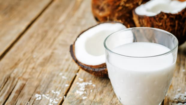 How to Make Homemade Coconut Milk (Bonus Coconut Cookie Recipe!)