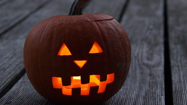 Pumpkin carving ideas for Halloween.