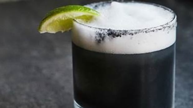 5 Activated Charcoal Cocktails: Come to the Dark Side
