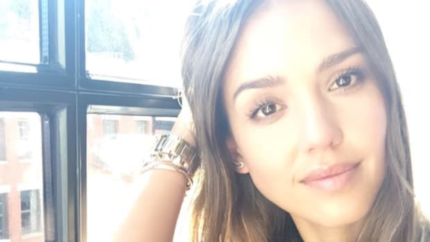 The Key to Jessica Alba's Glow and Energy: The 'Fab Four' (Recipe Included)