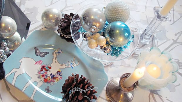 holiday centerpiece in tifanny blue photo