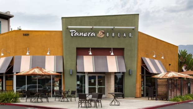 Panera Bread to Switch to 100% Cage Free Eggs By 2020