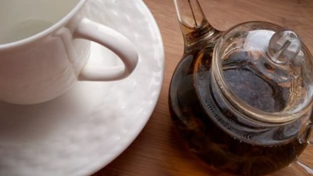 tea-ccflcr-agirlwithtea