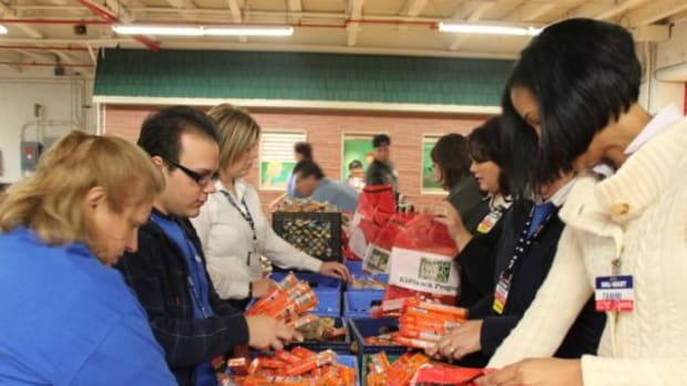 foodbank-ccflcr-walmartcorporate