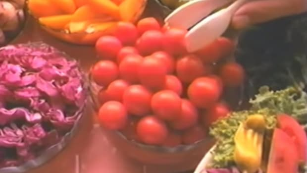 Hey, Remember 1991 When We Didn't Care if Food Would Kill Us? Sizzler Sure Does [Video]