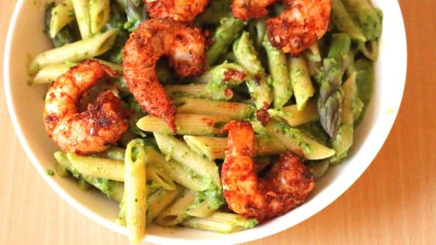 asparagus pesto pasta with cajun spiced shrimp