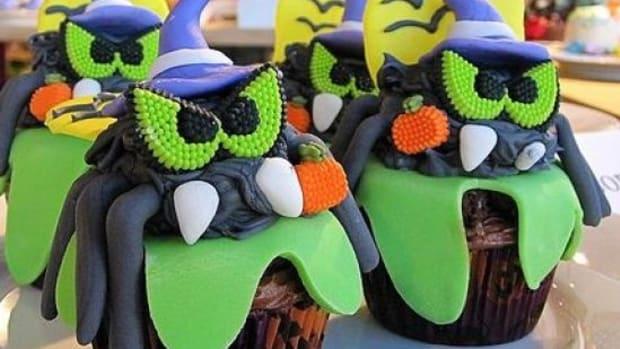 Halloweencupcake-ccflcr-chicagogeek