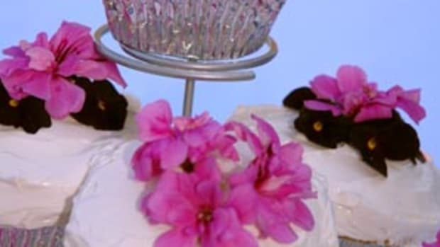 organic-white-chocolate-rosewater-cupcakes-2