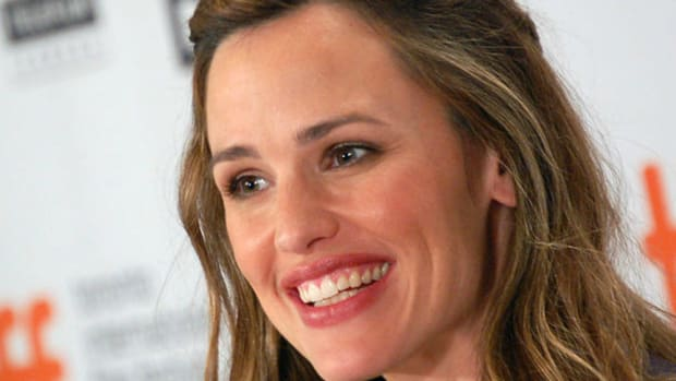 Jennifer Garner Reveals How She's Getting Her Body Back in Action Star Shape