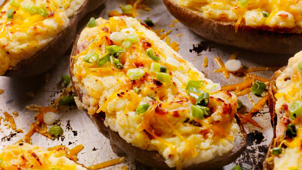 Vegan Baked Potato with Cheese, Tempeh Bacon, and Green Onions