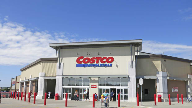 Costco Refuses to Sell GMO Salmon in its 474 Warehouse Stores