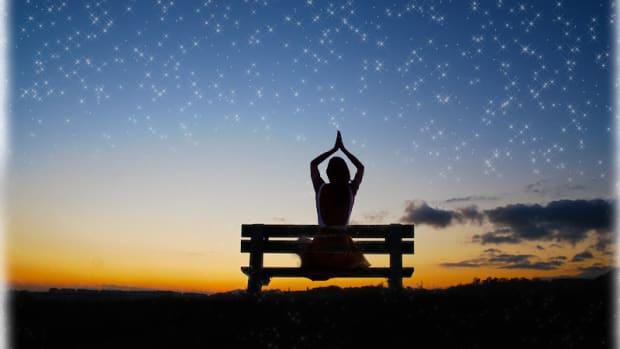 7 Soothing Yoga Poses for Sleep