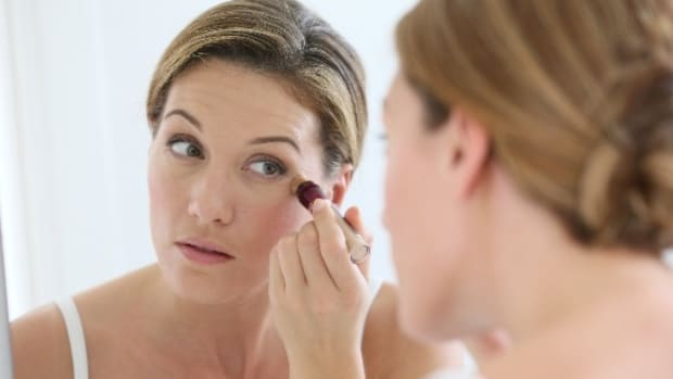 7 Tricks to Get Rid of Dark Circles Under Your Eyes