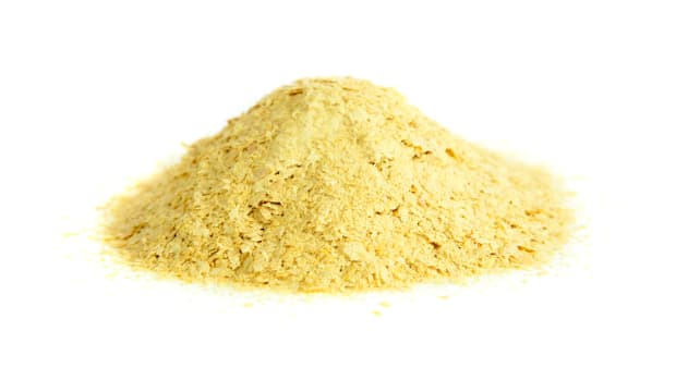 Everything You Need to Know About Nutritional Yeast Benefits (And How to Use It!)