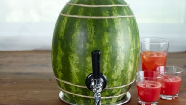 watermelonsangria-greenbrideguide-greenbrideguide