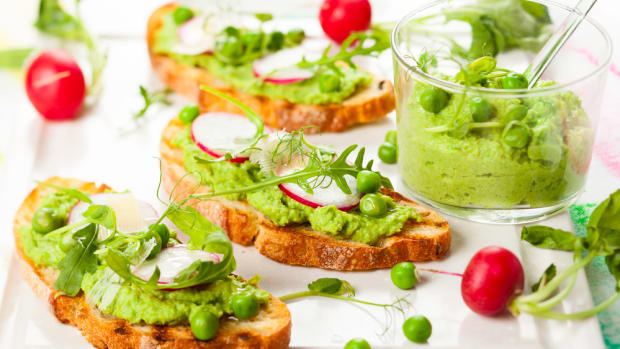 pea puree sandwich