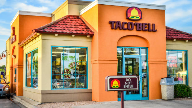 Taco Bell the First Fast Food Restaurant to Offer a Vegetarian Menu