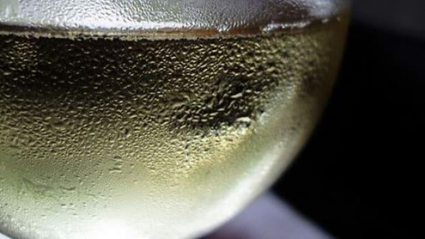 white_wine_basheertome